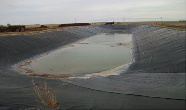 Feedlot wastewater retention structure